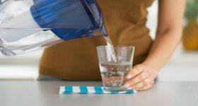 Popijte čašu vode u 6 sati ujutro: Cijeli svijet je POLUDIO za ovom metodom, evo zašto!